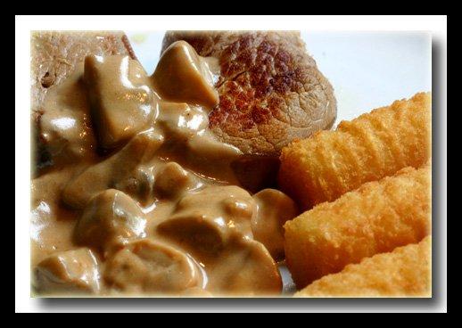 Filet mignon de porcsauce crème fraîche moutardée aux champignons